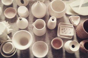 Varias piezas de cerámica